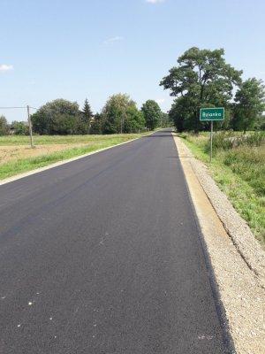 Nowe nawierzchnie asfaltowe na DW-887 wRymanowie, Bziance, Milczy iWróbliku Szlacheckim